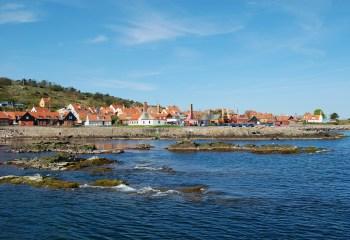 Gudhjem Plantage og kysten mod Melsted